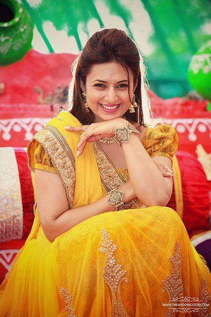 Divyanka posing bride to be pose